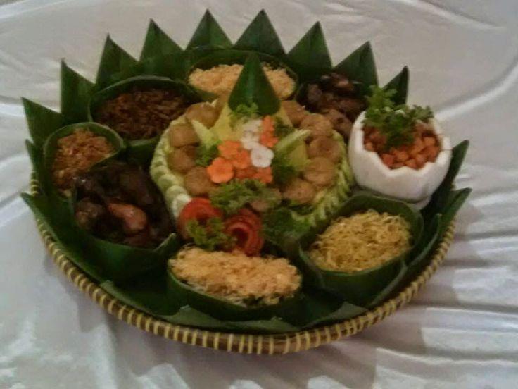 Dpawon Catering: NASI TUMPENG KUNING MURAH