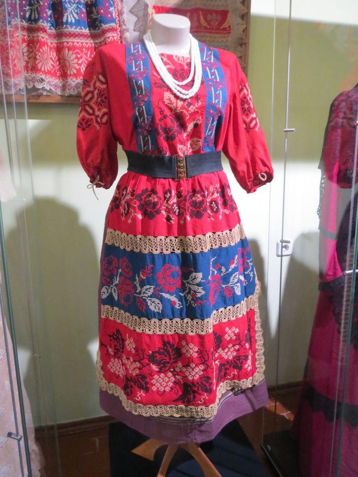 Выставка городского костюма в доме Колокольникова Тюмень 2016