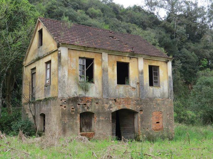Casas antigas pelo caminho… | Viajando de Carro