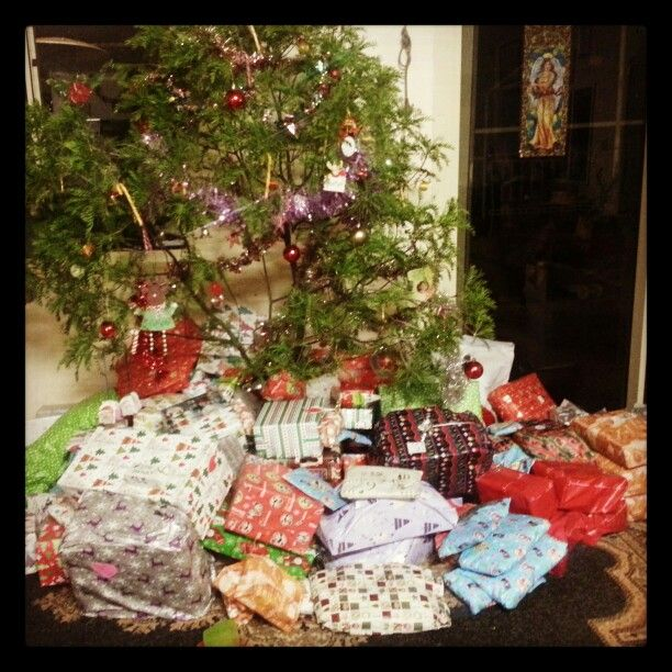 The gift of giving is what nourishes your soul.  www.wealth-love-peace-believe.com #Christmastree #present #Merrychristmas #giving