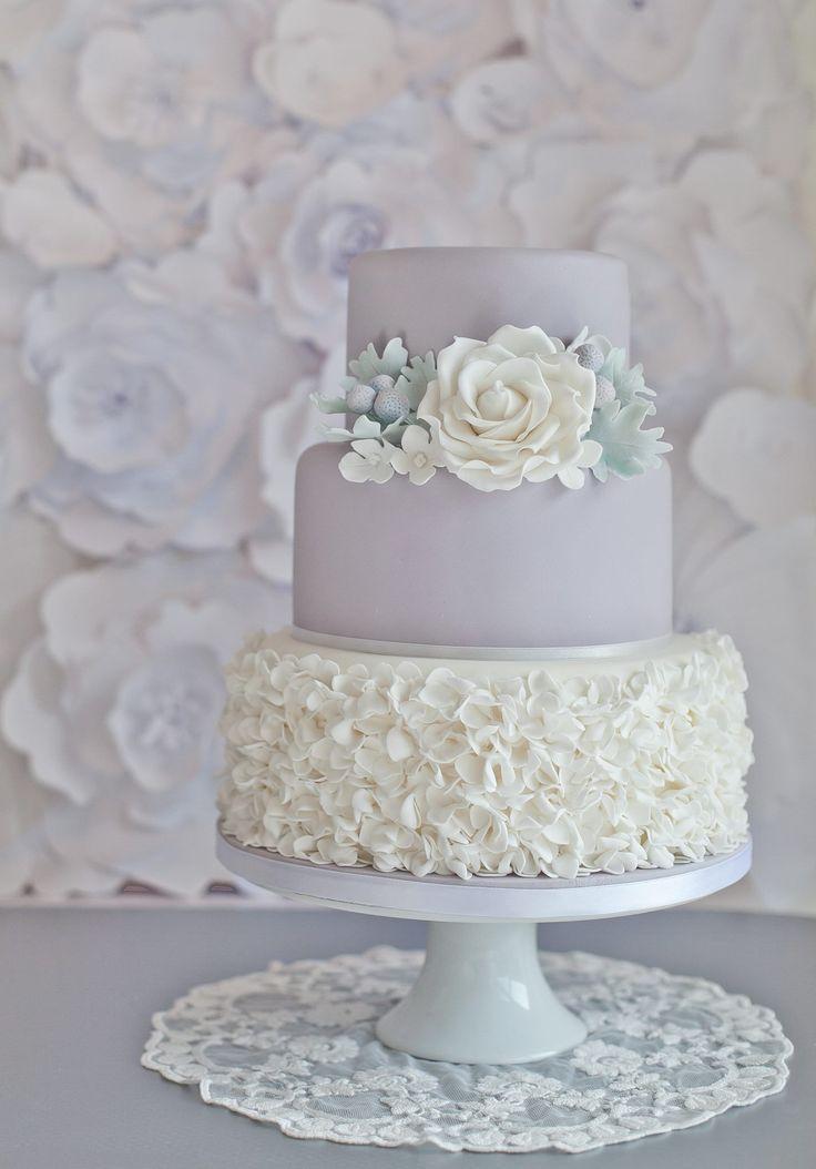 Delicate Wedding Cakes from Sugar Ruffles. To see more: http://www.modwedding.com/2014/05/05/delicate-wedding-cakes-inspiration/ #wedding #weddings #cake