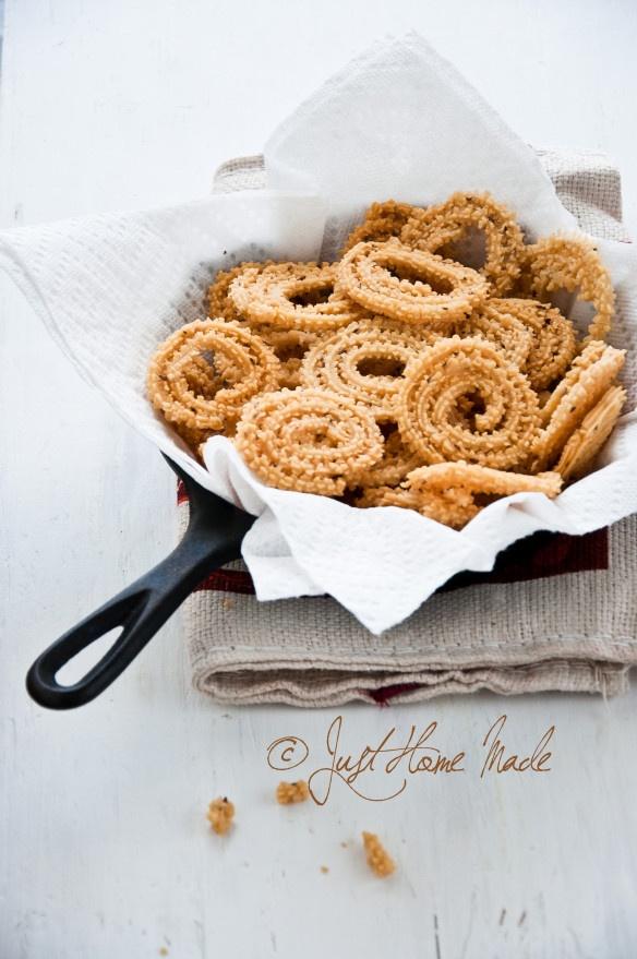 Benne Murukku - South Indian cruchy lentil spirals made with butter Warning: highly addictive!