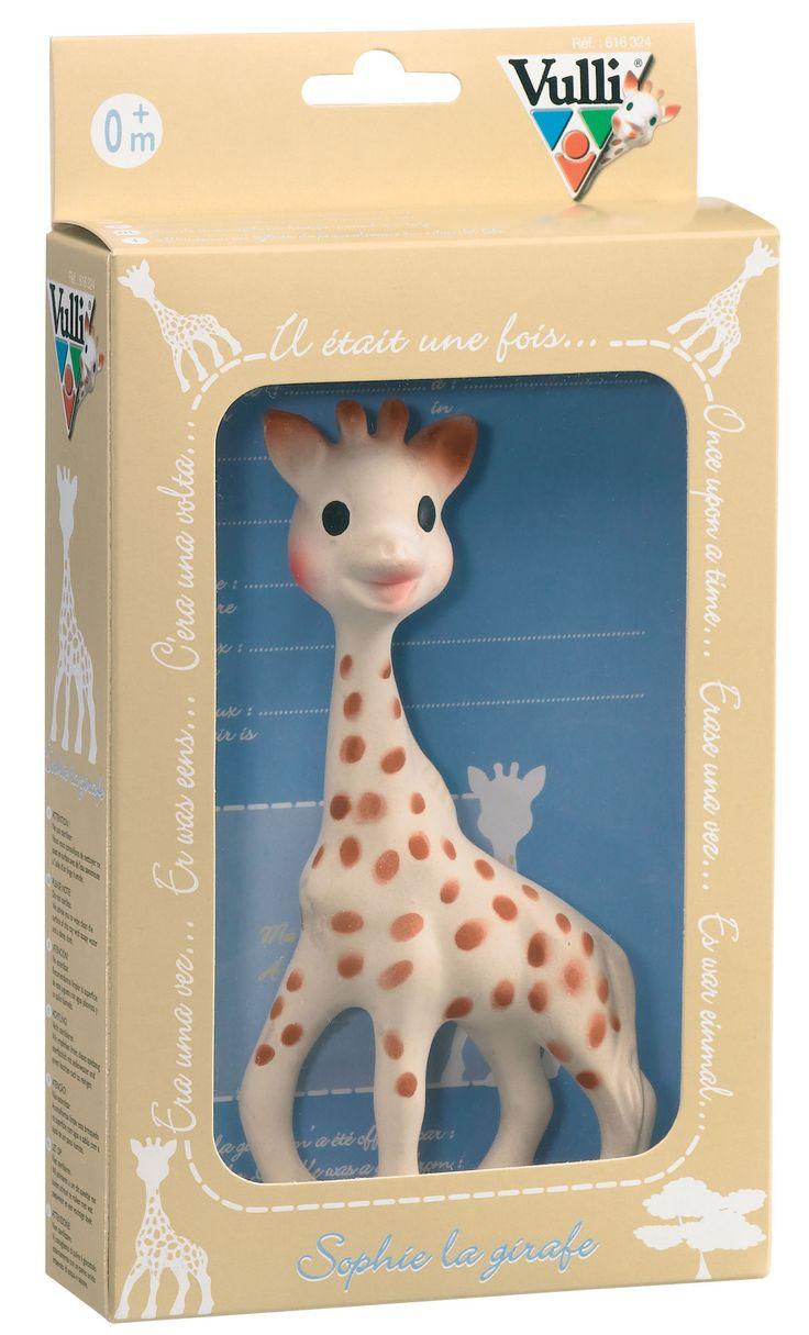 <b>Sophie the Giraffe Gaveæske</b> er perfekt som barnets første sanseudviklende legetøj/bidelegetøj. Stimulerer alle barnets sanser.<br><br><b>Syn:</b> De mørke og lyse kontraster med pletter på Sophie the Giraffe's krop, giver en visuel stimulering og gør, at barnet genkender hende. Hun bliver snart en velkendt figur, som får en beroligende egenskab.<br><br><b>Hørelse:</b> Hendes piven underholder barnet, stimulerer hørelsen og hjælper barnet med at forstå sammenhængen mellem årsag og…