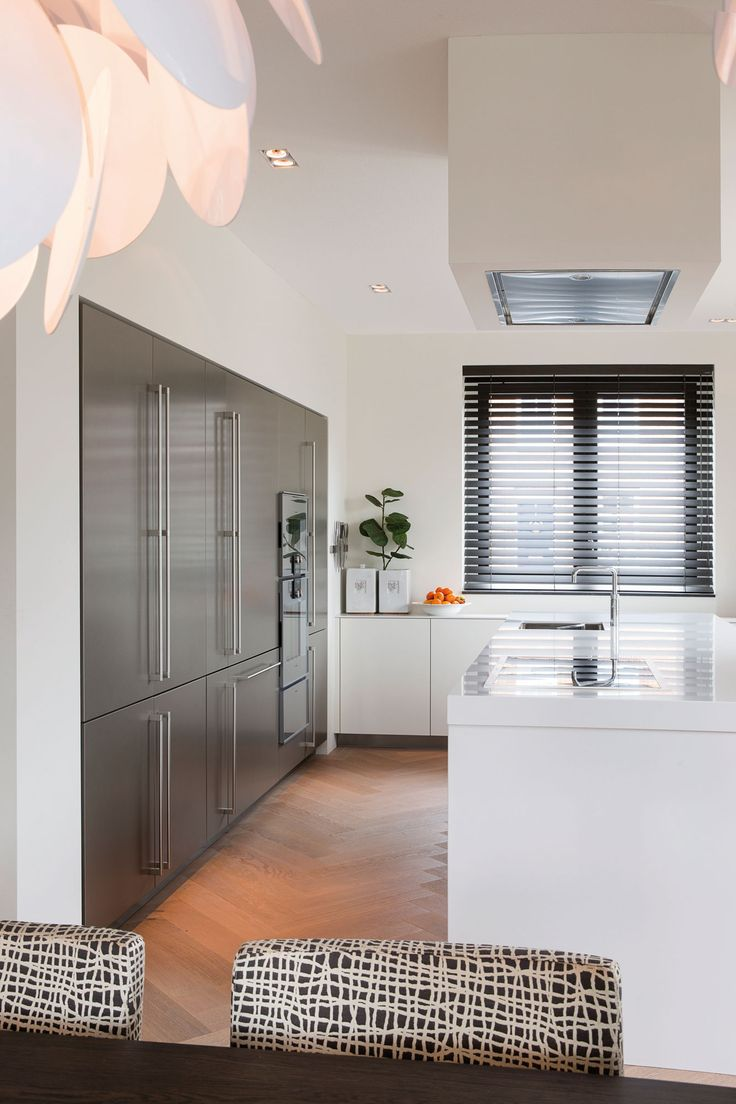 project Amstelveen the Netherlands- residence by Choc Studio Interior - modern kitchen. Photography by Denise Keus. Published in Stijlvol Wonen summer 2014