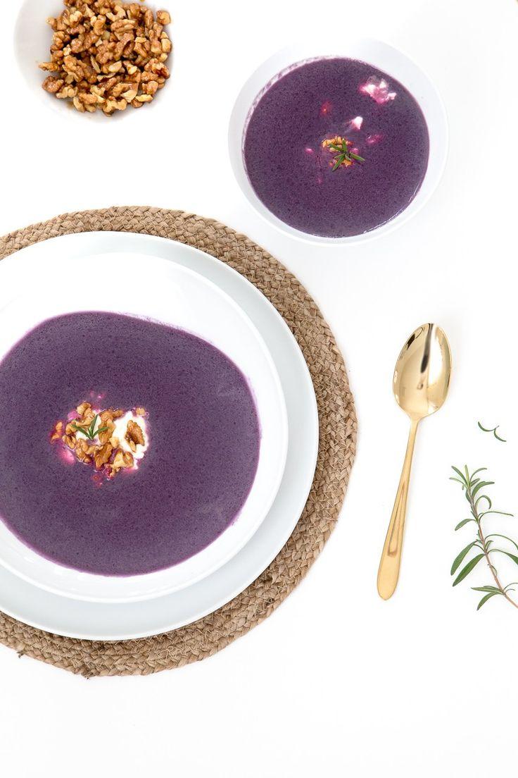 Rotkohl-Apfel Suppe mit karamellisierten Walnüssen www.whatmakesmehappy.de