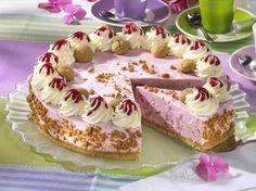 Unser beliebtes Rezept für Sahnige Rhabarber-Torte und mehr als 55.000 weitere kostenlose Rezepte auf LECKER.de.