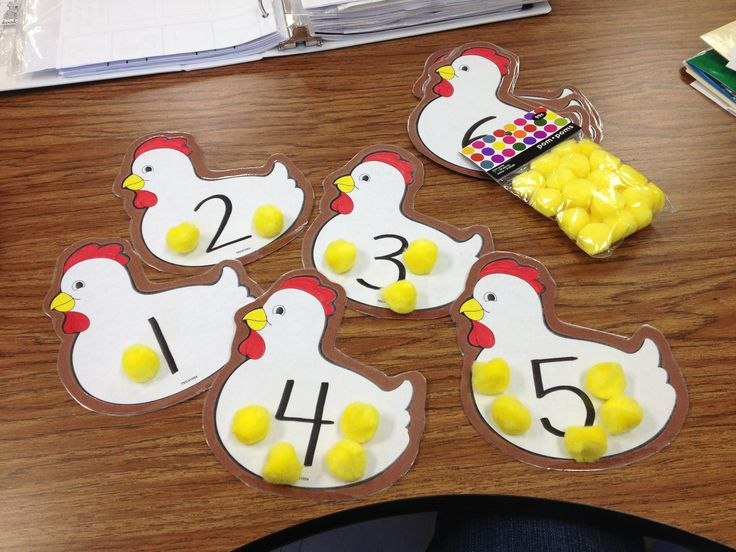 "Pre-K counting activity- hens and ""baby chicks"" (pom-poms)!"