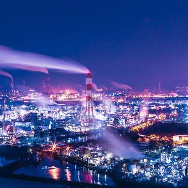 Instagram【o_kami_k】さんの写真をピンしています。 《#工場夜景 #工場 #夜景 #夕景 #水島コンビナート #岡山 #水島 #カメラ好きな人と繋がりたい #カメラ撮ってる人と繋がりたい #写真 #写真好きな人と繋がりたい #写真撮ってる人と繋がりたい #factory #ig_nightphotography》