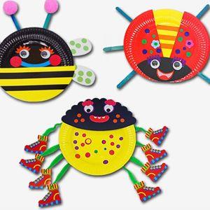 insecten van papieren bordjes