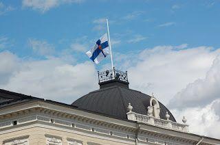 Helsinki blogi: Pääkaupungissa on myös surullisia päiviä. Mauno Koiviston hautajaissaatto 25.5.17