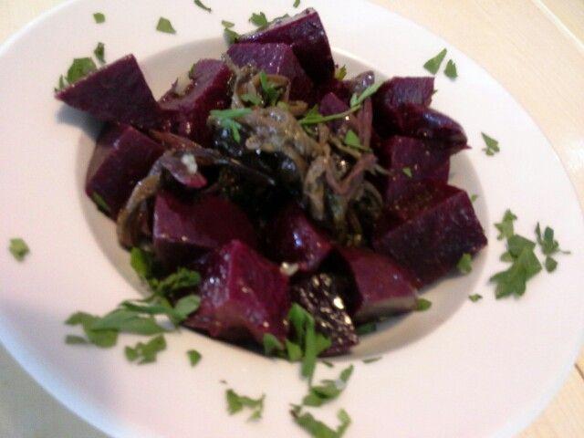 Healthy and delicious beetroot salad  #healthy #beets #mediterraneanfood #nissirestaurant#lefkada #greece