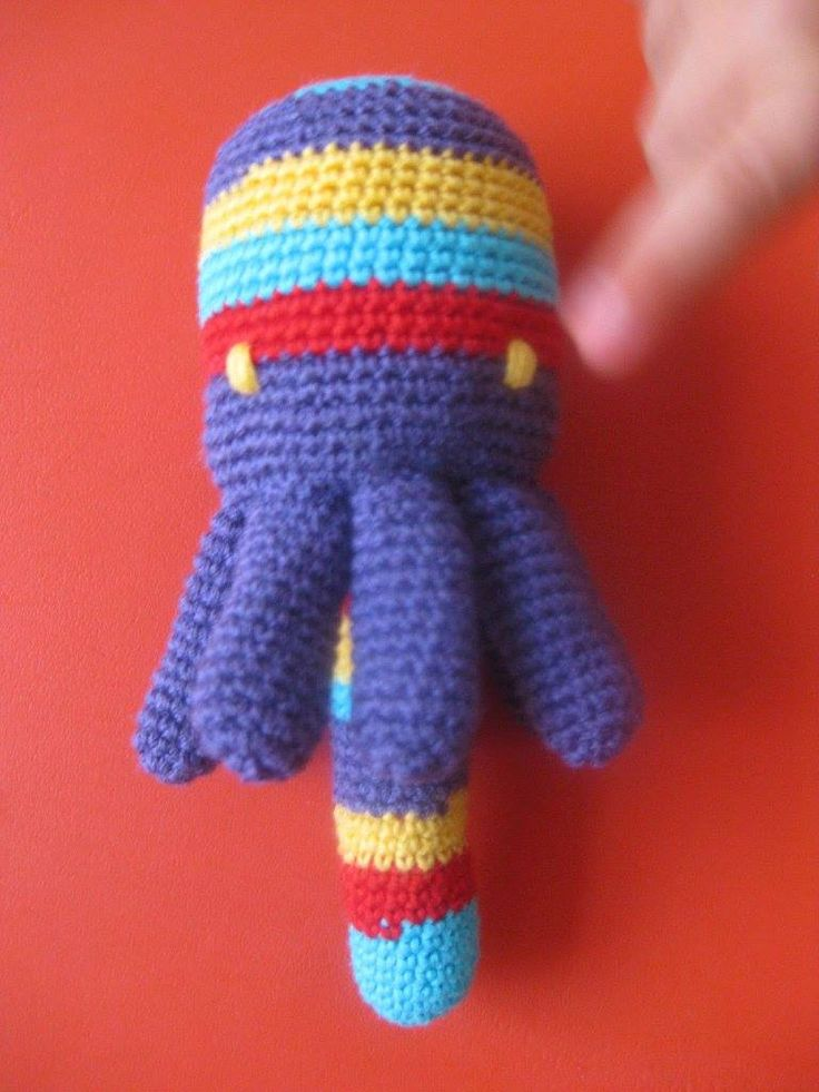 handmade octopus (crochet) https://www.facebook.com/Biscoitos.handmade/photos/pb.1648132372140699.-2207520000.1459369196./1666649396955663/?type=3&theater