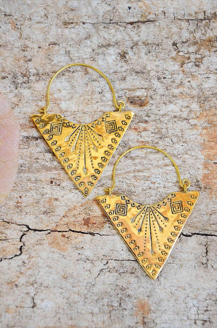So wildly in love with brass and so ridiculously obsessed with these!✧ Stunninghandcrafted earrings✧ Handcrafted in Rajasthan, India✧ Quality brass that ages beautifully✧ Perfectly lightweight and seriously, have you ever laid eyes on anything quite so incredible?!