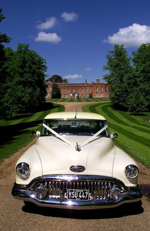 Delightful American Wedding Cars In Essex That Are Also Available To Hire In Kent,  London And Suffolk.