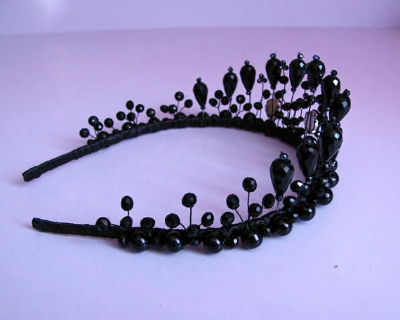 Black crystal bridal tiara Black wedding crown Bohemian rhinestone hairpiece Gothic bridal crown Bridesmaid hair accessories Glamorous evening crystal tiara. It perfectly compliments an evening gown or cocktail party dress. But also it will nicely adorn any Gothic Queens look. The