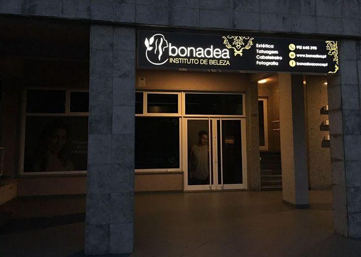 Durante a Noite  A BonaDea durante a noite é como durante o dia.... sempre iluminada ;)!  https://www.bonadea.pt/durante-a-noite/