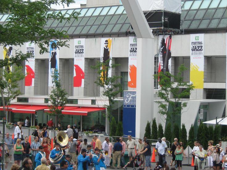 Annual Montreal Jazz Festival Festival de Jazz de Montréal