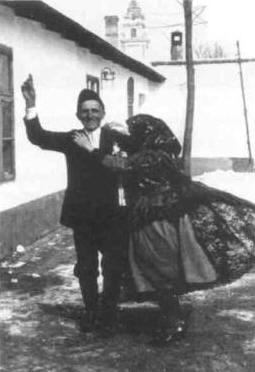 Kardos István és Kardos Istvánná táncol (Kápolnai Imre felvétele 1956-ban)