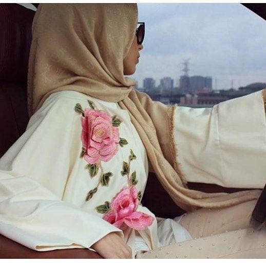 Cream abaya with rose design