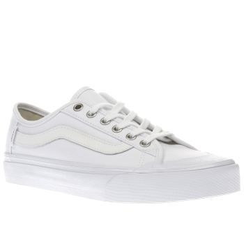 Vans White Black Ball Sf Mens Trainers Vans Old Skool styling is given a surf-inspired comfort update, as the Black Ball SF arrives in triple white. The fabric upper is joined with Sidestripe branding, along with a moulded UltraCush sockli http://www.MightGet.com/january-2017-13/vans-white-black-ball-sf-mens-trainers.asp