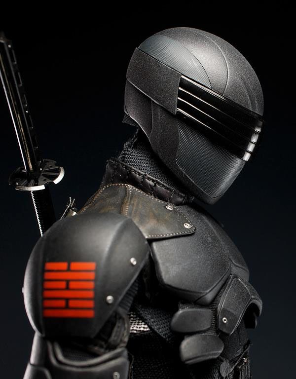Hot Toys_G.I. Joe Retaliation Snake Eyes Collectible Figure