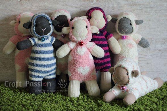 Ovelha feita de meia vai encantar adultos e crianças (Foto: craftpassion.com)