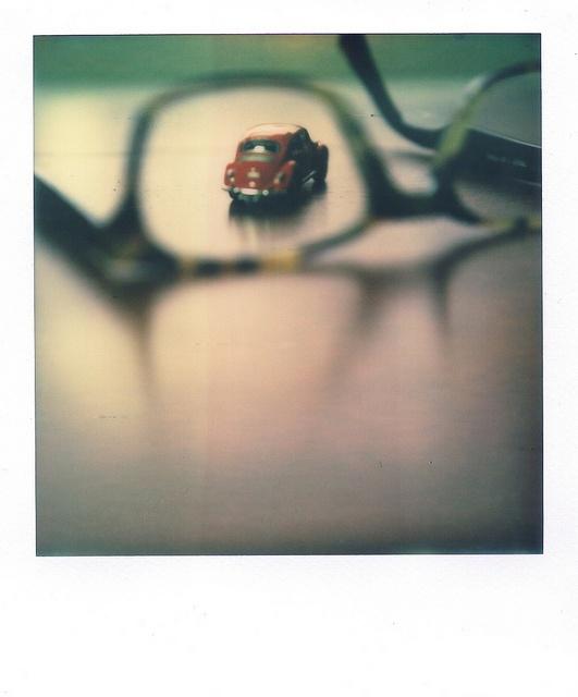 |  Polaroid SX-70 |