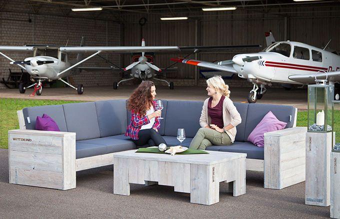 Ob auf der Terrasse, dem Balkon, der Rasenfläche oder im Wintergarten, Ihre Freunde werden Sie um das WITTEKIND Lounge Ecksofa beneiden!