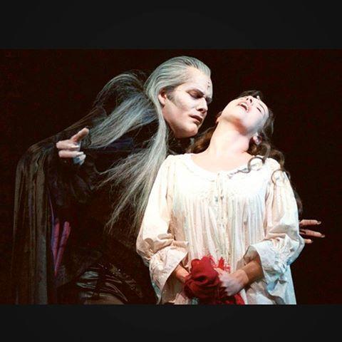 Good quality picture of Steve Barton as Graf von Krolock in Tanz der Vampire :) #stevebarton #barton #tanzdervampire #tdv #vbw #vereinigtebühnenwien #wien #bühne #stage #vienna #graf #grafvonkrolock #krolock #sarah #schloss #transylvania #vampire #musical #theater #theatre #singing #acting #show #raimundtheater #legend #theoneandonly #rip