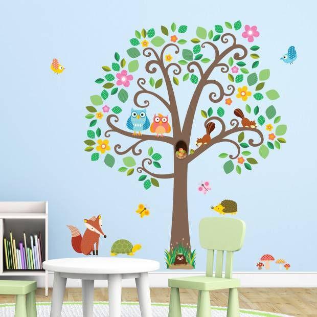 Muursticker boom scroll tree met bosdiertjes van het merk Decowall hier online kopen. Leuke muursticker boom met schattige dieren.