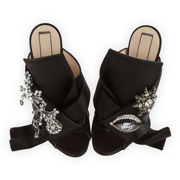 No. 21 Jeweled Satin 100mm Mule Sandal (11.193.000 IDR) ❤ liked on Polyvore featuring shoes, sandals, black, shoes sandals, platform mules, black embellished sandals, black jeweled sandals, black sandals and black satin sandals