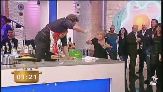 Flavio Insinna e Pupo cucinano per lo speciale della Lotteria Italia