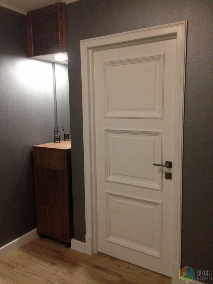 Белые двери в прихожей