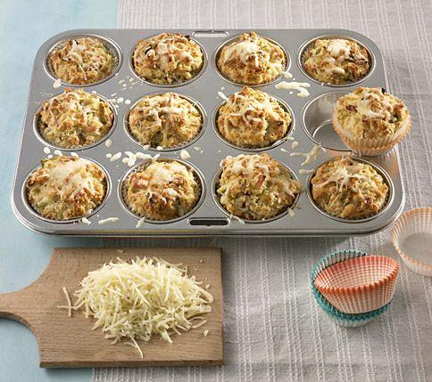 http://www.pinterest.com/nannietamminga/  Käse-Lauch-Muffins - Herzhaftes Fingerfood - 26 - [ESSEN & TRINKEN]