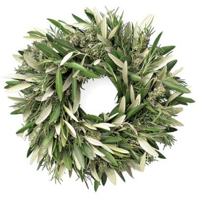 A simple olive and rosemary wreath that will bring lovely fragrance into your home. Rosemary is a symbol of remembrance, and olive branches a symbol of peace. #wreaths #Christmas