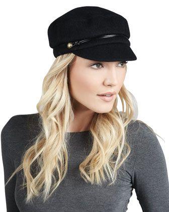 €198, Casquette plate noire Eugenia Kim. De Neiman Marcus. Cliquez ici pour plus d'informations: https://lookastic.com/women/shop_items/94451/redirect