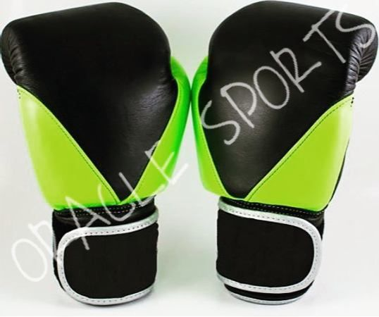 Latest cowhide leather material boxing gloves for order and more info please DM me.  #boxing #boxingworld #boxingmaster #boxingshop #boxingshopmx #boxingstore #boxingstoreuk #boxingstoreusa #boxinggearstore #boxinggear #boxinggearmma #kickboxing #kickboxingclub #kickboxingwear #kickboxingclub #kickboxingstockholm #kickboxingshop   #muaythai #muaythaigym #muaythaishop #muaythaiusa