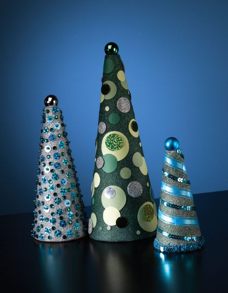 126 best christmas tree cones images on pinterest christmas deco holiday craft ideas luckily creating exquisite holiday decor can be fun and cost effective when you do it yourself solutioingenieria Images