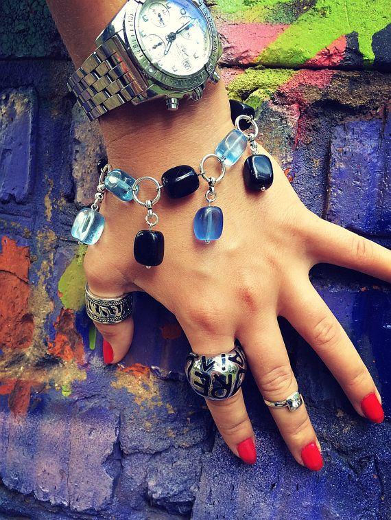 Bracelet with gemstone pendants quartz  onyx от Monamibijoux