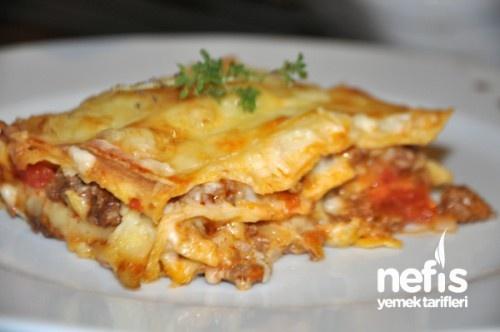 Lazanya Tarifi - Nefis Yemek Tarifleri  http://www.nefisyemektarifleri.com/lazanya-tarifi/