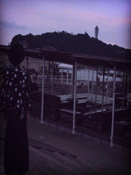 今日は晴れたので 鎌倉から江ノ島まで散歩‼︎ しかし、鎌倉駅に着いたら雨… そうだ、二郎、行こう 反