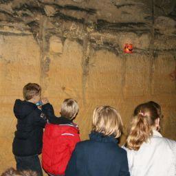Mamyloe,nl Kinderspeurtocht in de grotten van Maastricht