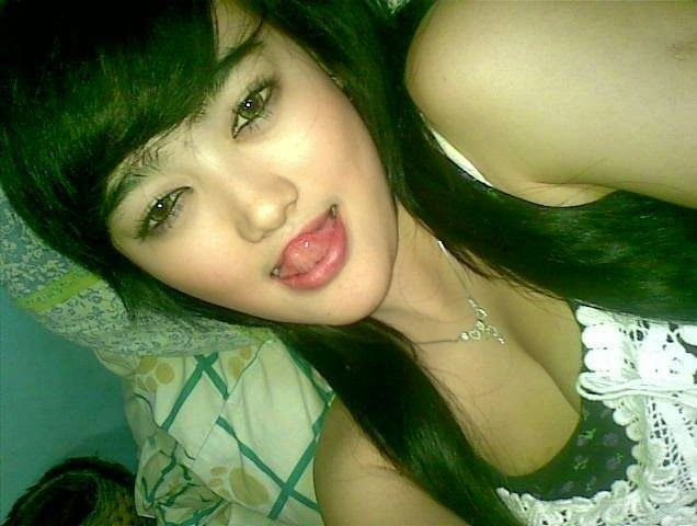 http://blondegirlsstory.blogspot.co.id/2014/10/info-cewek-bispak-terbaru-hot.html