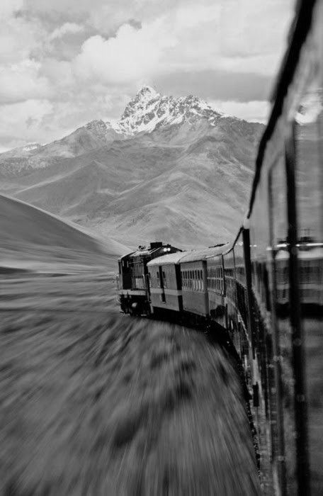 Black and white photos - Wow, what a great picture, it feels like I'm on that train!