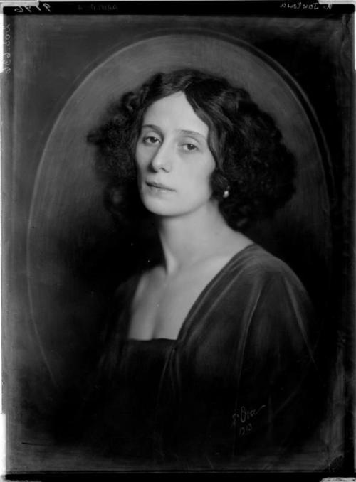 Play the last measure very softly….    Anna Pavlova, 1913