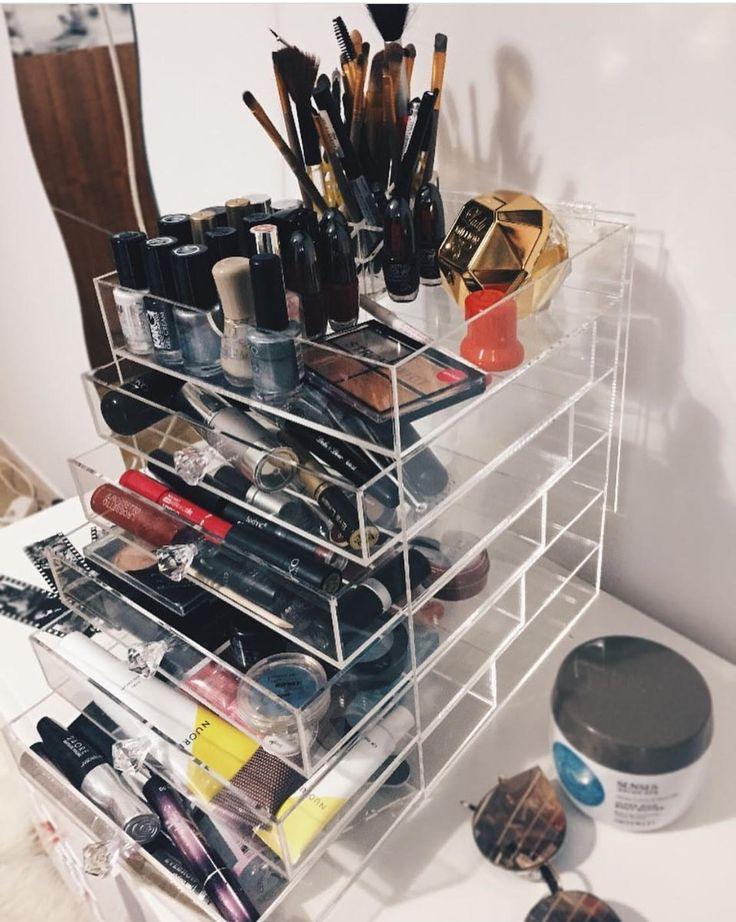 Je hele stash bewaren in deze make up organizer van YOSMO