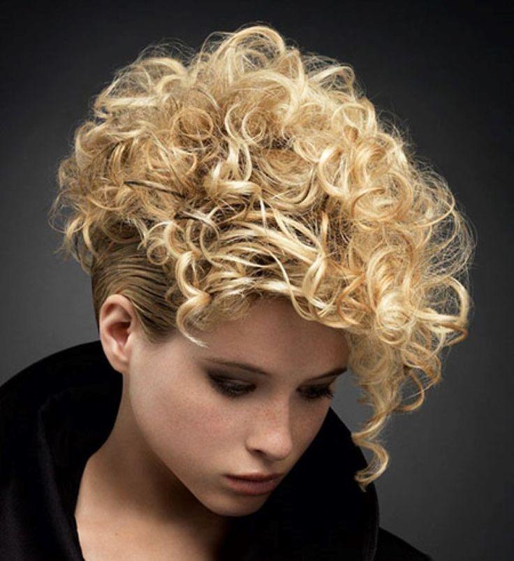 28 Dernier Court Coiffures Bouclées pour le Fun Style #Bouclées, #CheveuxBouclés, #CoiffureBoucle, #Coiffures, #CoiffuresCourtes, #Court, #Dernier, #Pour, #Style