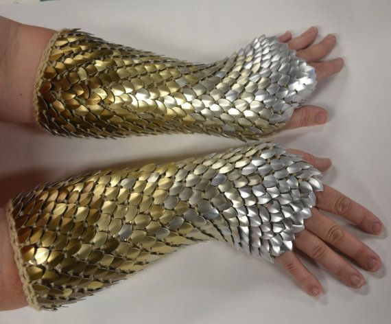Hey, I found this really awesome Etsy listing at https://www.etsy.com/uk/listing/160303322/scale-maille-armor-dragonhide-knitted