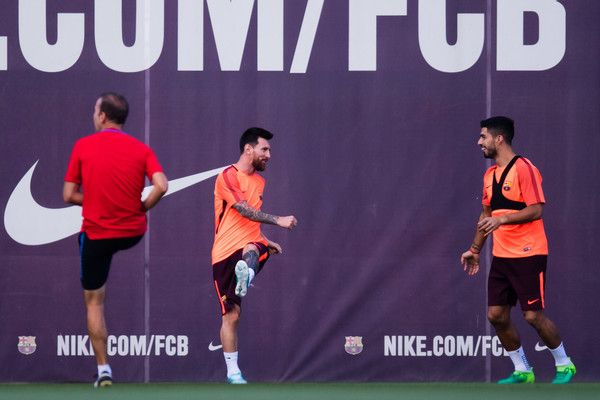 Lionel Messi and Luis Suarez of FC Barcelona warm up during a training session ahead of the UEFA Champions League Group D match against Juventus on September 11, 2017 in Barcelona.