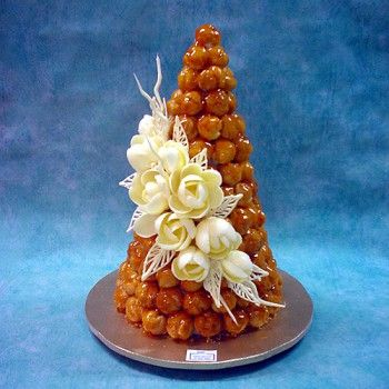 W White Chocolate Roses - Profiterole - Wedding Cakes